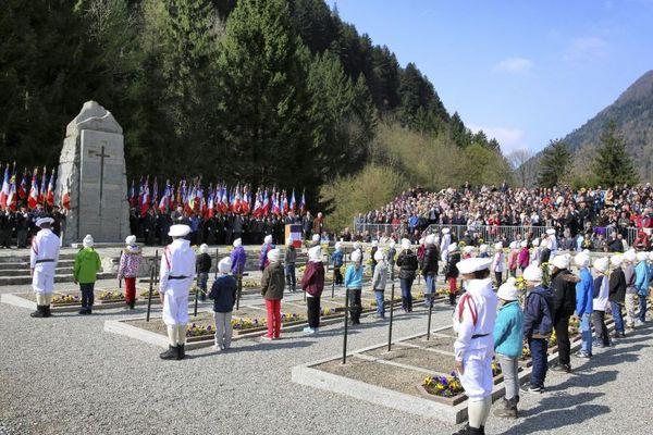 Le 6 avril 2014, Jean-Yves Le Drian, ministre de la défense de l'époque, avait présidé la cérémonie du 70ème anniversaire des combats des Glières à la nécropole de Morette.