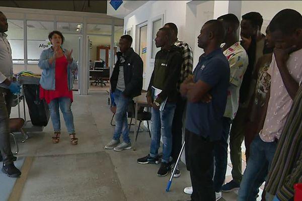 Ces 10 réfugiés se forment aux métiers liés au nettoyage