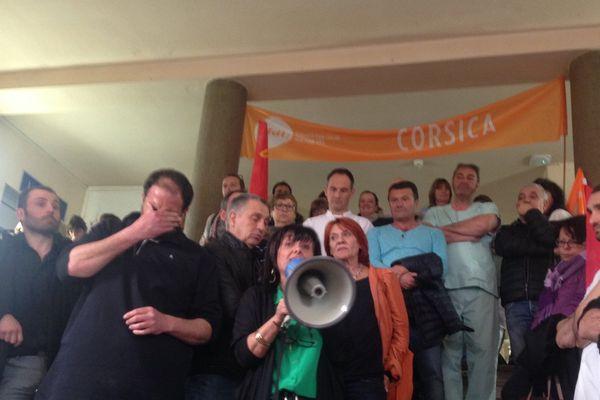 Appel à la grève à l'hôpital d'Ajaccio, le 22 mars 2016.