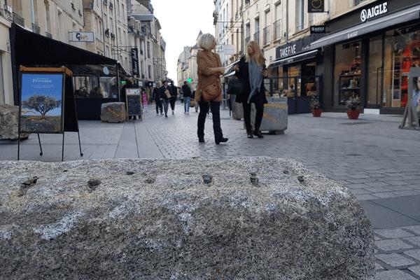 170 blocs protègent le parcours du carnaval étudiant de Caen