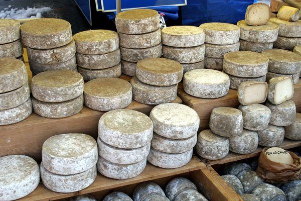 Tomme de Savoie, Reblochon et fromage de chèvre... quelques unes des spécialités des pays de Savoie