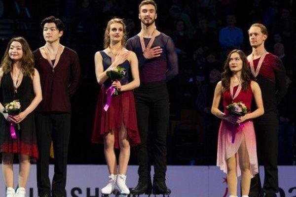 Les deux jeunes français sur la plus haute marche du podium.