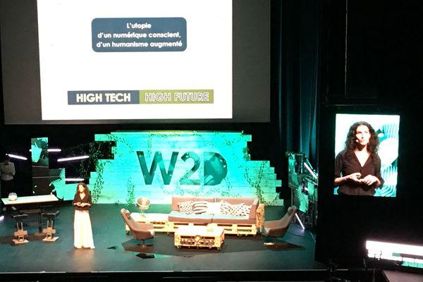 Sandrine Roudaut sur la scène de Stereolux Nantes au Web2Day 2018