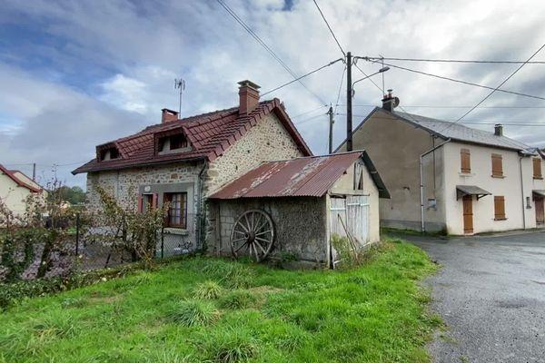 L'une des deux maisons léguées à Saint-Priest-la-Feuille