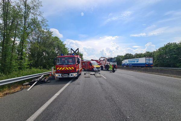L'accident implique trois poids-lourds et un véhicule léger