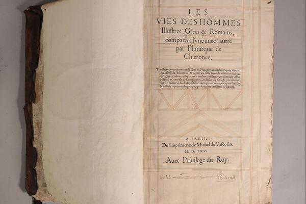 """""""Les vies des hommes illustres"""" de PLUTARQUE :  Livre mis aux enchères, ayant appartenu à Michel de Montaigne"""