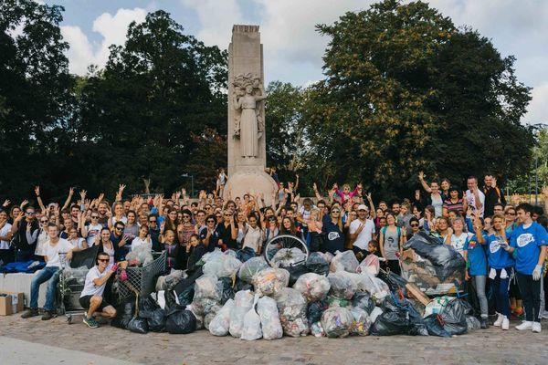 Plus de 300 personnes ont ramassé les déchets samedi en Citadelle de Lille