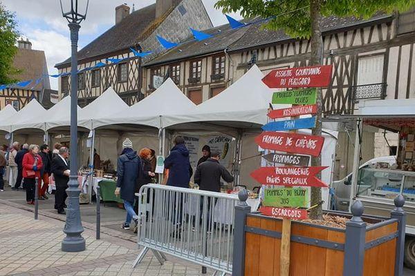 20 producteurs locaux pour Groin de folie à Aubigny-sur-Nère (18)