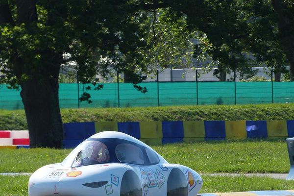 TIM 07, le véhicule créé par les étudiants de l'INSA et de l'Université Toulouse III - Paul Sabatier, vient de battre un nouveau record du monde à Londres. Il a réalisé la performance de rouler à 684,7km/litre.