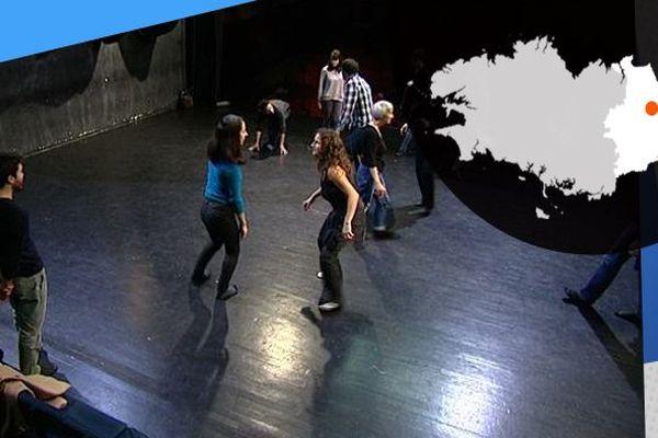 Atelier de pratique à la maison du théâtre amateur de Rennes