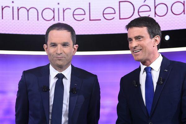 Benoît Hamon et Manuel Valls lors du débat du 26 janvier 2017.
