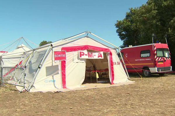 Un poste médical avancé a été installé à proximité du site. 61 secours à personne et 11 transferts vers l'hôpital ont été réalisés pour l'instant.