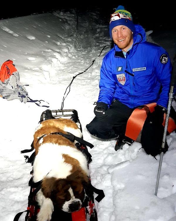 Les quatre secouristes intervenaient pour la première fois pour sauver un chien.