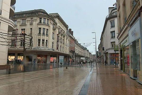 La rue des Trois Cailloux à Amiens où sont concentrées la plupart des boutiques - Janvier 2019