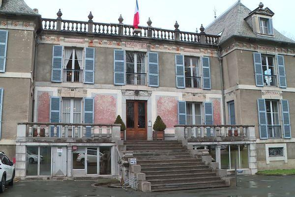 Les 7500 habitants de cette sous-préfecture des Hautes-Pyrénées vont-ils s'intéresser au scrutin avec 3 marcheurs sur 4 candidats ?