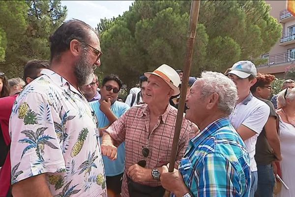 Eric Cantona était à Argelès-sur-Mer, vendredi après-midi, pour rendre hommages aux victimes du franquisme