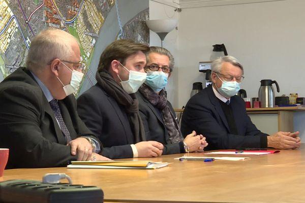 Les maires de Bassens, Lormont, Cenon et Floirac réunis pour lancer un appel à l'aide à l'Etat ce merdi 19 janvier 2020.