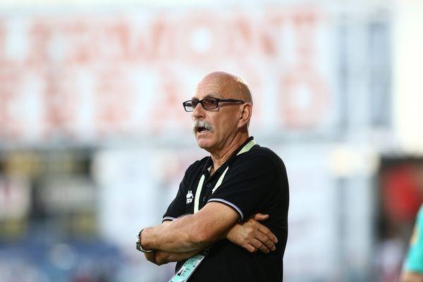 Gilbert Zoonekynd ne sera plus sur le banc du Tours FC cette saison. Son adjoint Nourredine El Ouardani non-plus