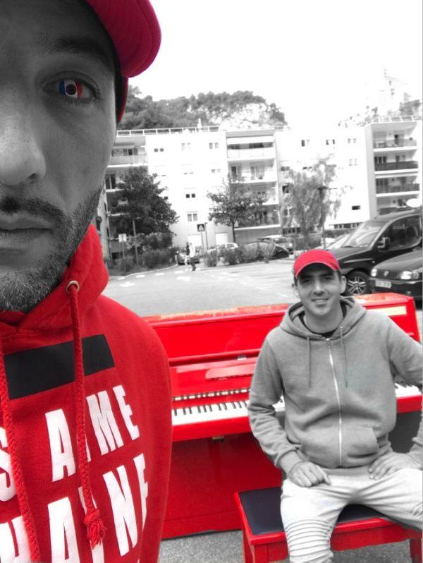 """""""Avec mon ami pianiste Steve Villa-Massonne, nous tenions à te faire ce cadeau"""", le message de Kaotik 747."""