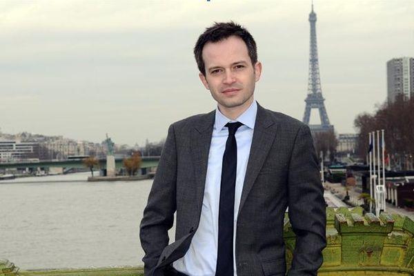 Conseiller de Paris, et ouvertement anti-NKM. L'outsider Pierre-Yves Bournazel est le plus jeune candidat des primaires.