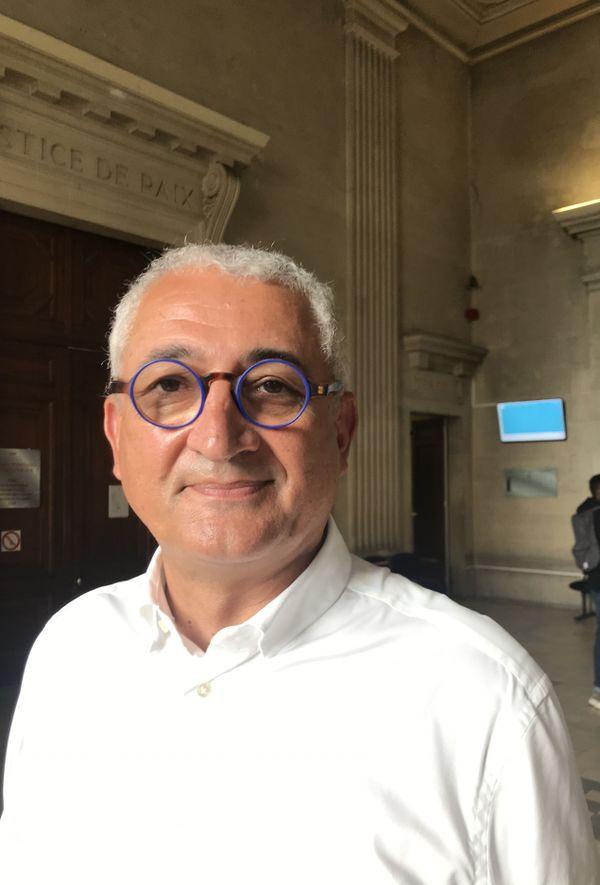 Maitre Gérard Chemla rappelle que le contrat liant son client à Viti-chenil est conforme.