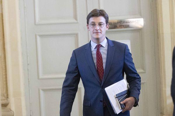 Sacha Houlié a co-présenté un rapport sur le supportérisme devant l'Assemblée nationale, ce mercredi 20 Mai.