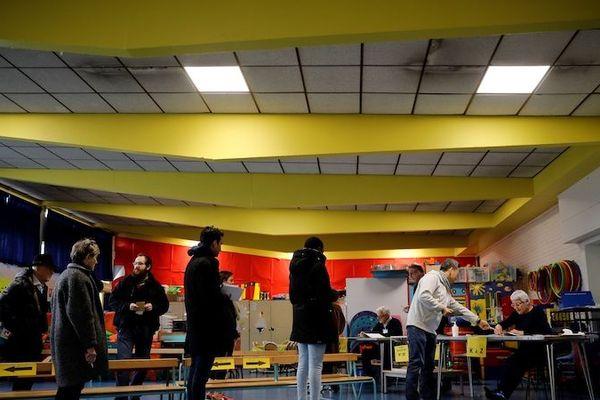 Un bureau de vote à Paris