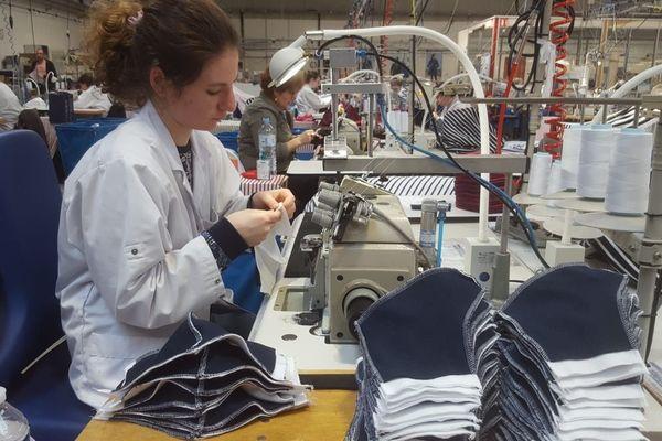 Trente couturières ont repris leur poste pour fabriquer des masques en tissus