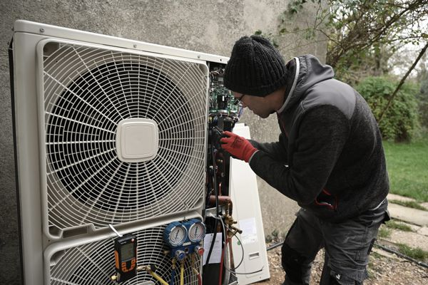 Installation d'une pompe à chaleur en milieu rural.