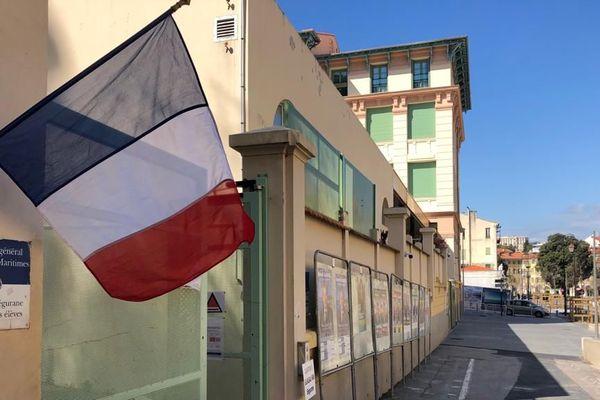 Bureau de vote à Nice -Segurane le 15 mars 2020 à la mi-journée