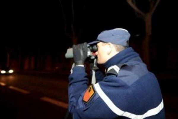 A Balaruc-les-Bains (Hérault), les gendarmes ont intercepté deux jeunes de 21 ans. Au volant de leur voiture, il faisait la course à très vive allure vers minuit.Leur permis leur a été retiré sur le champ.