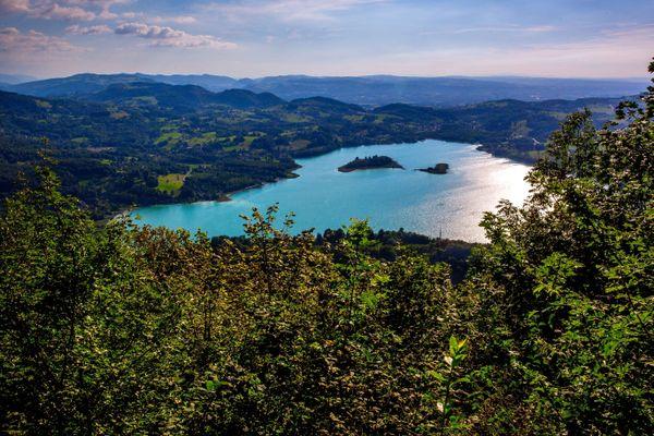 L'accès au lac d'Aiguebelette, en Savoie, est déconseillé ce dimanche. (Illustration)
