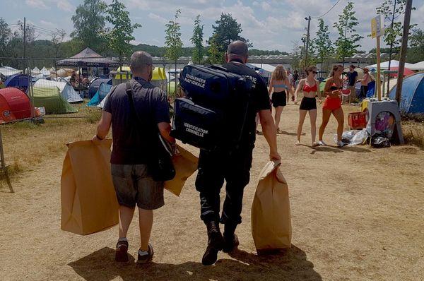 Les gendarmes de l'identification criminelle ce dimanche 7 juillet au camping des Eurockéennes.