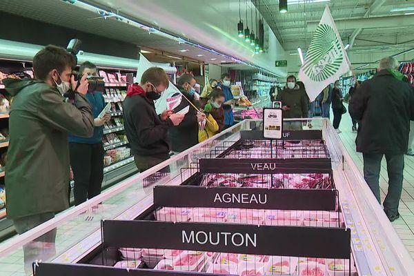 Vérification des produits et contre-étiquetage pour informer le consommateur