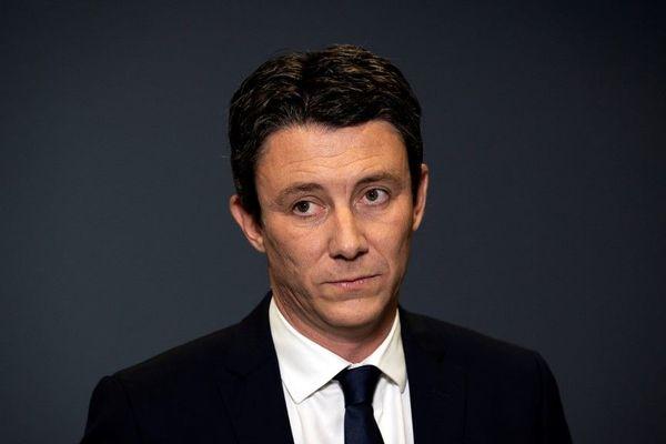 Benjamin Griveaux se retire de la course vers la mairie de Paris.