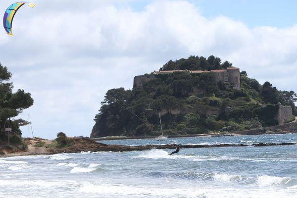 Le fort est la résidence d'été des présidents de la République.