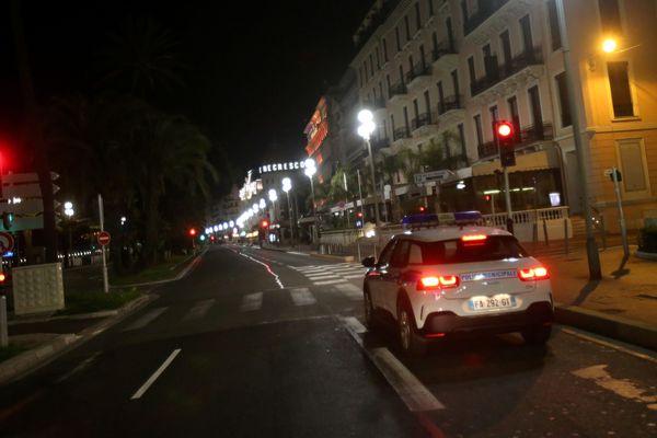 A Nice, un couvre-feu préfectoral s'applique à partir de 21h30. Il est abaissé à 20 heures dans certains quartiers.