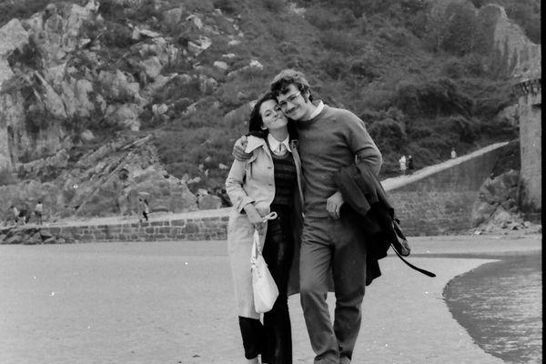 Août 1971, balade en amoureux au Mont-Saint-Michel.