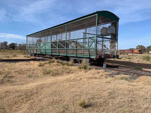 Un wagon dans la campagne argentine