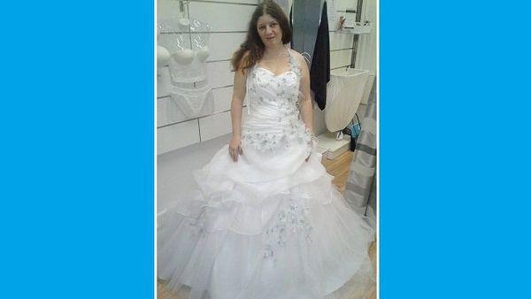 Il faut trouver de quoi payer la robe, et le reste.
