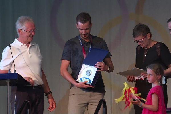 Benjamin Toniutti est le premier à recevoir la médaille d'honneur de la ville de Pfastatt en quinze ans.