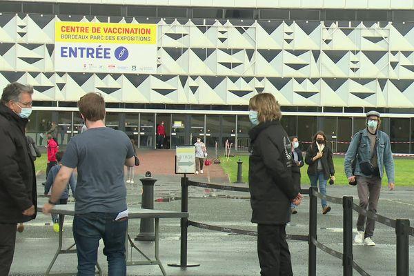 Du monde ce mardi 13 juillet au centre de vaccination au Parc des expositions de Bordeaux.
