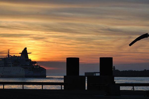 Le port de Calais où transitent les clandestins