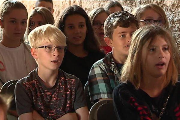 Ces élèves de 5e ont chanté en Italien et participé lors du spectacle.