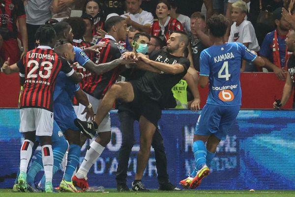 Des incidents ont émaillé la rencontre Nice-OM, ce dimanche 22 août lors de la 3e journée de Ligue 1.