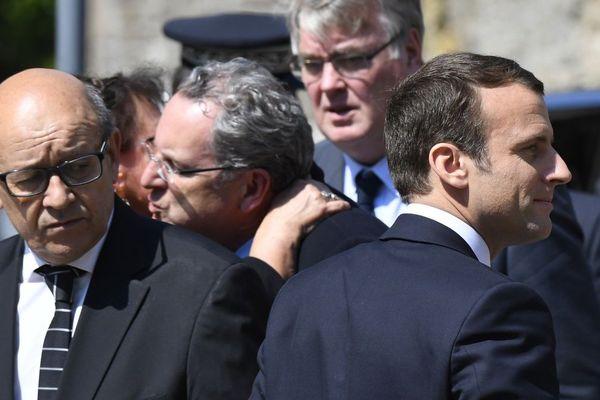 Jean-Yves Le Drian, ministre de la Défense, Richard Ferrand (au centre), secrétaire général de La République en marche! aux côtés d'Emmanuel Macron, aux obsèques de la députée Corinne Erhel - Lannion - 10/05/2017