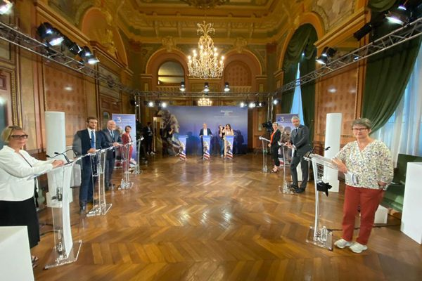 Mercredi 9 juin, France 3 a organisé le débat du premier tour des élections régionales en Auvergne-Rhône-Alpes.