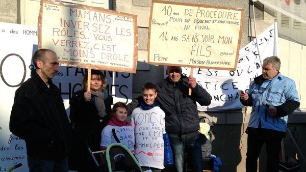 La manifestation nationale de SVP Papa ce matin à Nantes