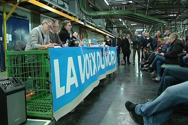 """Les salariés de """"La Voix du Nord"""" ont organisé leur première AG depuis l'annonce des suppressions d'emplois."""