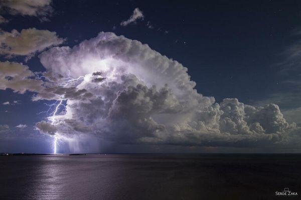Le photographe a pris cette photo depuis Théoule-sur-mer en août 2020.
